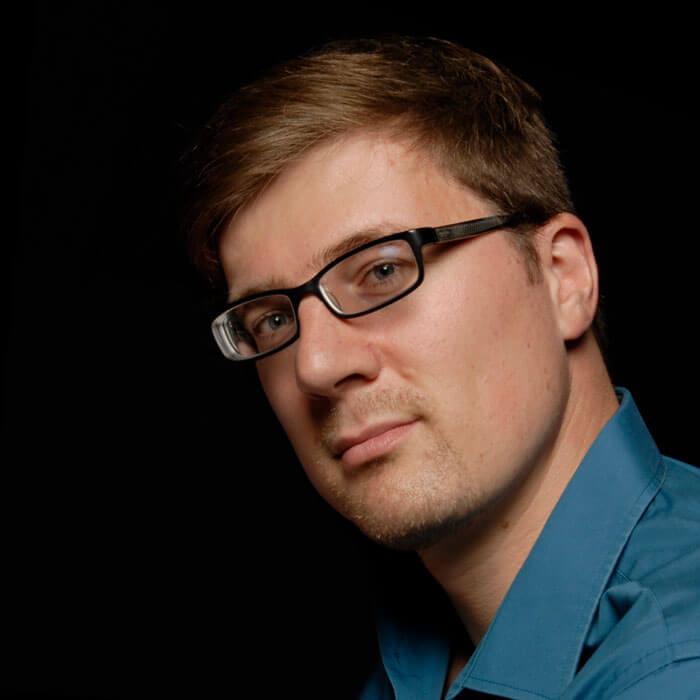 Jens Hofmann ist Web- und Grafikdesigner bei jotdesign